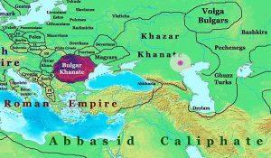 Так на карте представлены размеры государств того времени. Окружностями — предполагаемые размеры хазарского государства, исходя из данных в хазарской переписке. Как отсюда видно, на карте размеры Хазарского Каганата представлены намного больше, чем окружность 266 миль в диаметре. Вероятно, имеются в виду также области влияния Хазарии. Константин Багрянородный утверждает, что в Хазарии девять климатов (областей). Если помножить диаметр большей из трех окружностей на три, получим, таким образом, примерно размеры Хазарского Каганата, данные на карте.