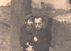 Михаил Шапиро с дочерью Ларой, 1953 год, Ленинград