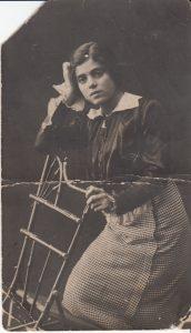 Мария Наумовна Брук. Харьков. 1913 г. Перед поступлением в институт