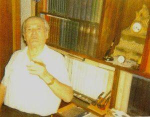Элиягу Мейтус в своей библиотеке в Тель-Авиве (фотография из архива Мэйбл Мейтес)