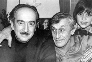 На фото: Александр Галич, Виктор Некрасов, Вадик Кондырев. Париж, 1976. Фото Виктора Кондырева