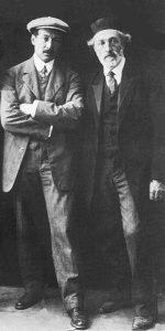 Энгель (слева) и Ан-ский. Прибл. 1916