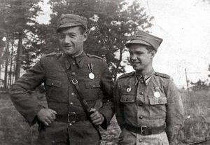 Феликс Беатус (слева) — офицер-танкист Войска Польского