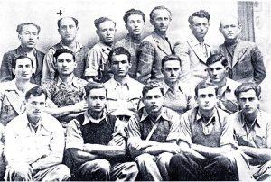 Группа рабочих-активистов охраны плантаций (Здесь и далее крестиком помечен Хаим Белый)