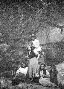 Сцена из спектакля Бакинского ГОСЕТа «Овечий источник» по Лопе де Вега. В центре — артистка С. Иоффе в роли Лауренсии. 1936 г. Архив семьи Копельман, Нью-Йорк