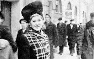 Актриса Рита Гендлин. Львов, 1947 г. Личный архив Ф. Миндлина.