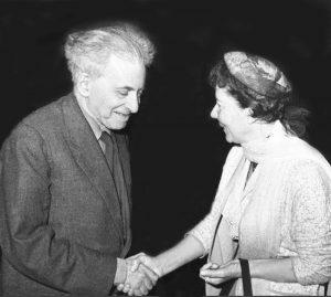 Илья Эренбург и Дора Тейтельбойм, прибл. 1966 (с сайта alamy.com)