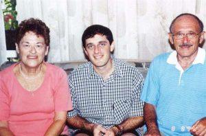 Хаим Офер с женой Шуламит и их младшим сыном Шаулем. 1999г.