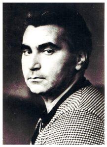 Многим поэт Исаак Борисов казался мрачным. Пройдя всю войну, потеряв всех родных, пережив гибель старшего поколения еврейских поэтов, он продолжал писать на идише, пытаясь «дышать оптимизмом». Фото А. Лесса, 1970
