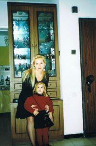 Марианна, внучка поэта И. Борисова со своей дочерью