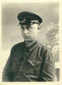 Арий Юдкович/Адольфович Каневский во время службы на Дальнем Востоке, 1940 г.
