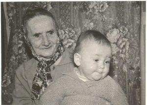 Любовь Марковна Либерман-Абрамская с правнучкой Инной Вилк, Одесса, 1965-66 г.