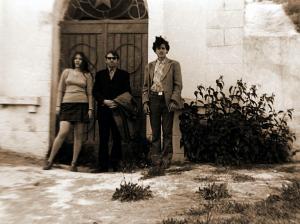 Фото №6: Михаил Сирота с дочерью Эллой у Мемориала Демьянковской шахты; 70-е годы