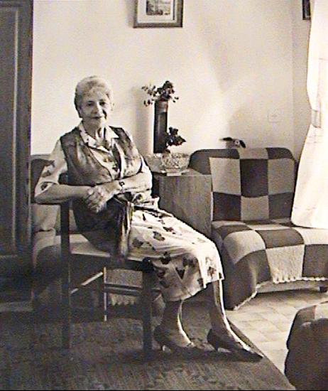 Римма Яковлевна Экслер.Фотография, сделанная американским фотохудожником Патрицией Далзелл для выставки «Голоса восхождения. Репатриация советских евреев в Израиль», 1999