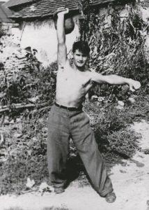 С гирей. Хмельник, 1954