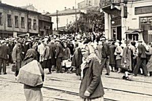 Угол улиц Дмитриевской и Бульварно-Кудрявской в 1942 г.